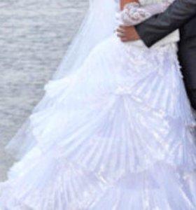 Свадебное платье )))