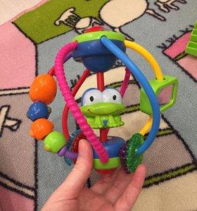 Bright Starts Развивающая игрушка Логический шар