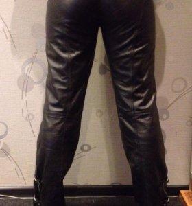 Байкерские кожаные штаны женские