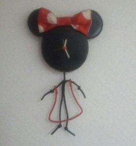 """Часы """" miney mouse """" на стену"""