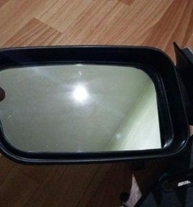 Правое боковое зеркало на ВАЗ 2110-12.