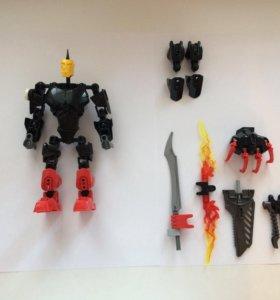 Робот Лего, плюс аксессуары.