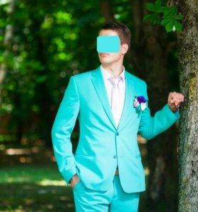 Продам бирюзовый костюм тройка