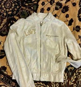 Легкая курточка типа джинсовки