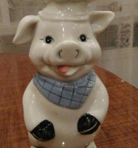 Фарфоровая свинья