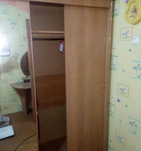 Шкаф, туалетный столик