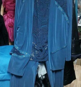 Продается женский костюм большого размера