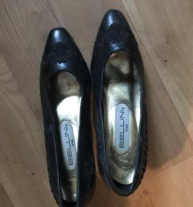 Три пары обуви (туфли, 37 размер)