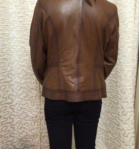 Кожаная куртка Р.48