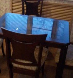 Стол и стулья (4 шт )