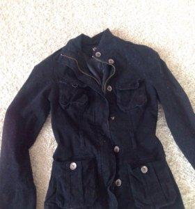Тонкая курточка