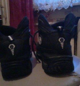 ECCO  батинки