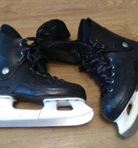 """Хоккейные коньки """"Динамо"""" размер 38,5."""