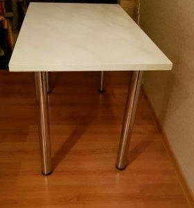 Стол  для кухни и не только  в хорошем состоянии