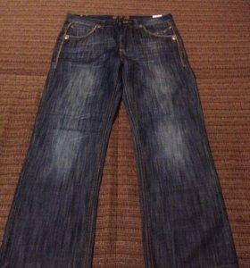 Продам шикарные красивые модные фирменные джинсы
