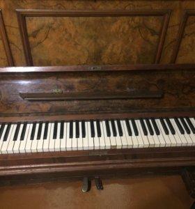 Пианино немецкой фирмы Leipzig