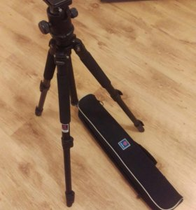 Штатив для фото- и видеосъемки Benro