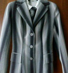 Костюм женский-5(пиджак,блузка,галстук,юбка,брюки)