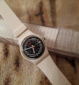 Продам фирменные часы swatch