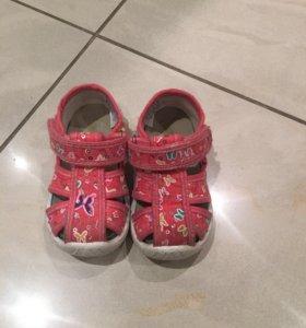 Детские сандалики с супинатором