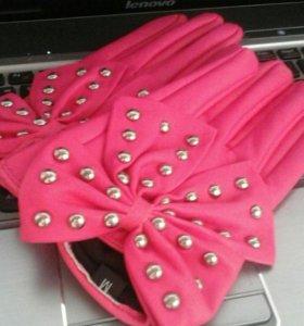 Перчатки к стильному Loocy)