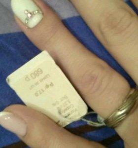 Серебрянное кольцо новое