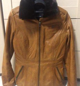 Куртка женская (нат. кожа) , размер S