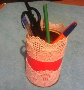Под ручки и карандаши