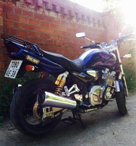Yamaha XJR1300 Dark Purplish Blue Metallic