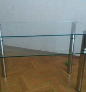 Стеклянный столик по телевизор