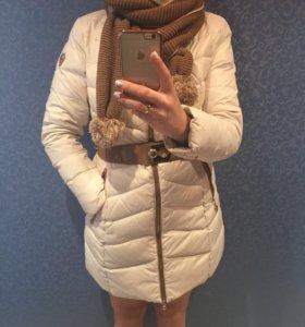 Пуховое зимнее пальто с шарфом
