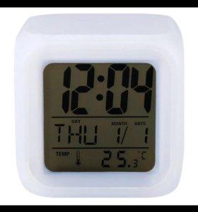 """Часы будильник """"Световой куб""""."""
