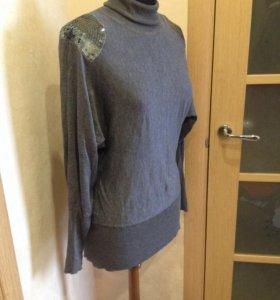 Лаконичный серый свитер
