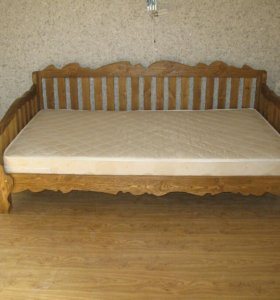Кровать 2х спальная, из массива сосны.
