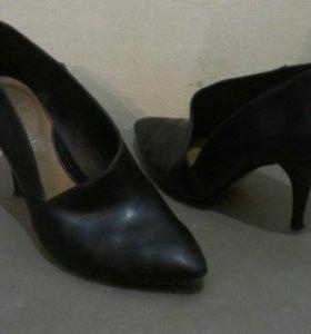 Кожаные туфли 36-37р.
