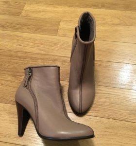 Ботинки женские, 38 размер