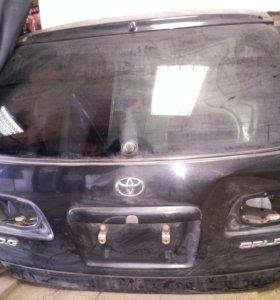 Задняя дверь Toyota Caldina