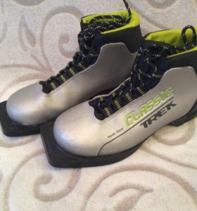 Лыжные ботинки, р. 35
