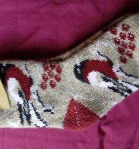 Шерстяные носки со снегирями