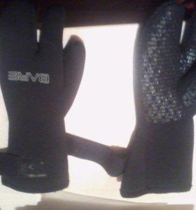 Перчатки (подводные)