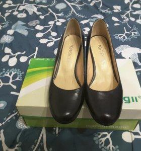 Туфли женские. .Новые
