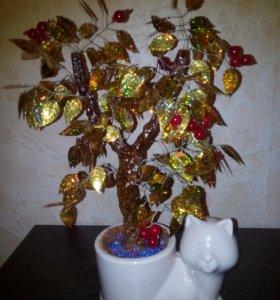 Дерево из пайеток и бусин