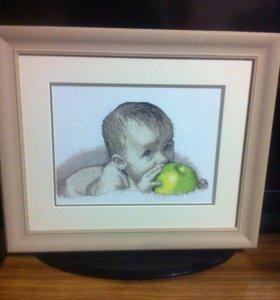 """Вышивка """"младенец с яблоком"""""""