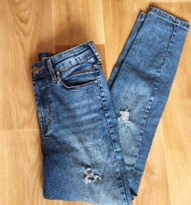 Новые джинсы с высокой посадкой