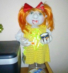 Кукла сделанная своими руками в чулочной технике.