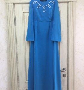 Платье на никах (дизайнерское,новое)