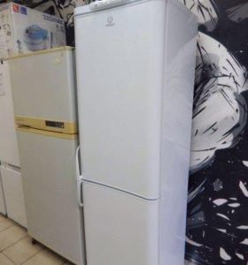 Холодильник Indesit. высота 195 см.