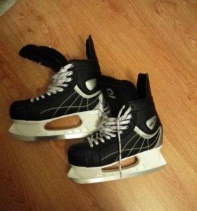 Хоккейные коньки Oxelo