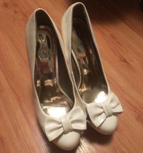 Белые туфельки 🎀