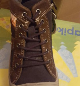 Новая детская обувь 28р